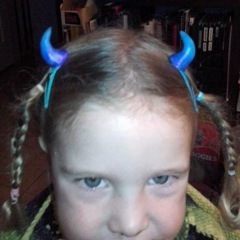 Costume horns