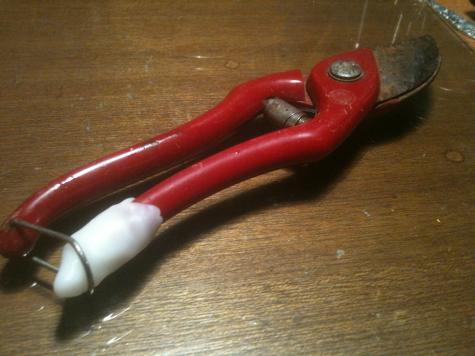 Secateur repair