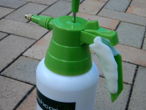Pressure sprayer repair