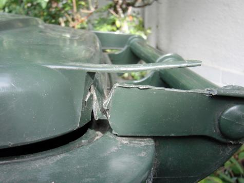 Wheelie bin repair